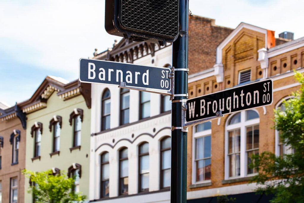 Street sign designating the corner of Barnard and Broughton Streets