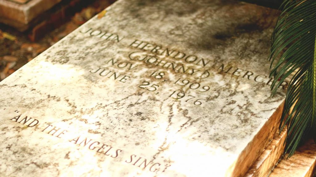 """John """"Johnny"""" Herndon Mercer's headstone reads """"and the angels sing"""""""
